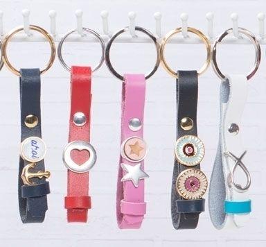 Schlüsselanhänger aus Lederband mit Slidern