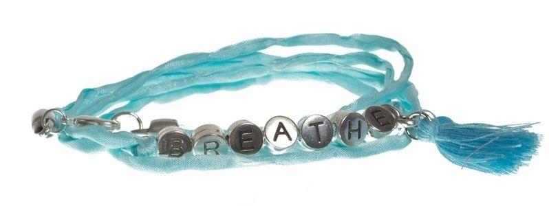Buchstabenarmband BREATHE