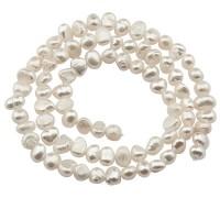 Süßwasserperlenstrang, Farbe cremeweiß, Durchmesser Perlen ca.  4 -5 mm, Länge des Stranges ca. 35,5