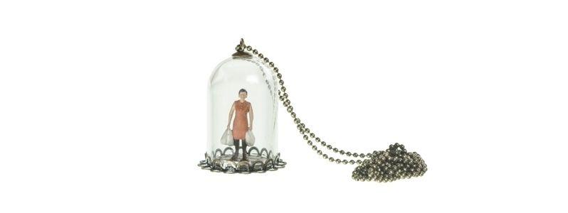 Kette mit Glaskugel und Shopaholic