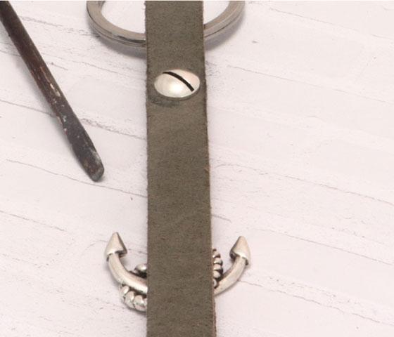 Schlüsselanhänger mit Schraubniete Schritt 5