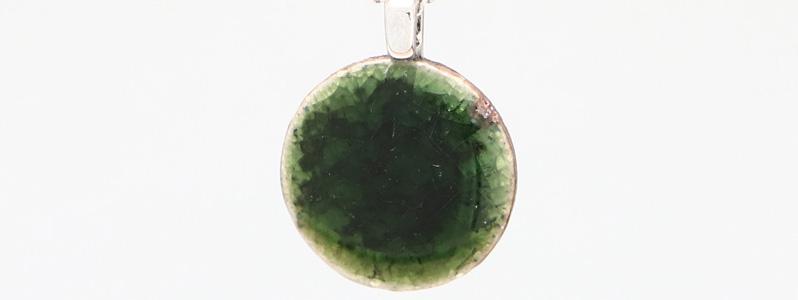Kette mit Keramikanhänger 20 mm grün