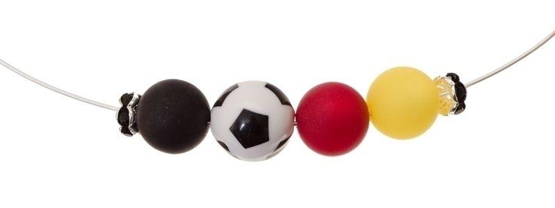 Collier mit Fußballperlen