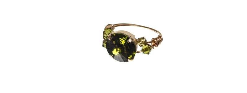 Goldige Ringe mit Swarovski Rivoli Olivine