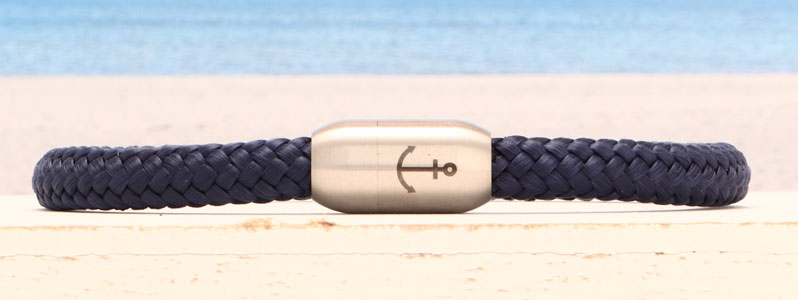 Segeltauarmband mit Magnetverschluss aus Edelstahl Anker ein