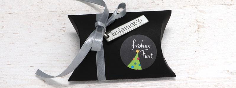 """Geschenkverpackung für Weihnachten mit Edelstahlanhänger """"ha"""