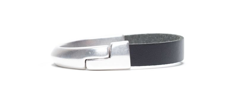 Armband  mit breitem Band Versilbert
