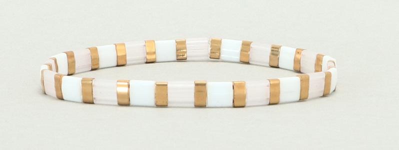Elastisches Armband mit Tila und Halftila-Perlen Weiß-Gold-Silk