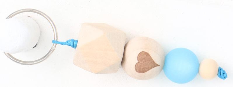 Schlüsselanhänger mit Holzperlen Herz