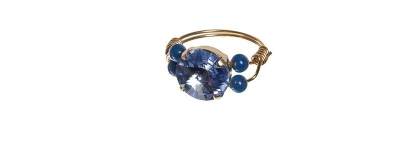 Goldige Ringe mit Swarovski Rivoli Sapphire