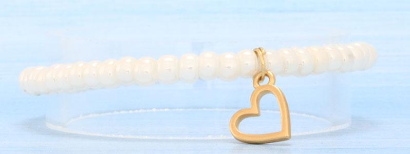 Frühlingsarmband mit Herzanhänger und Miyukirocailles