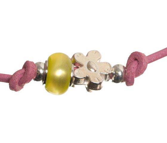 Wickelarmband mit rundem Lederband selber machen Schritt 9
