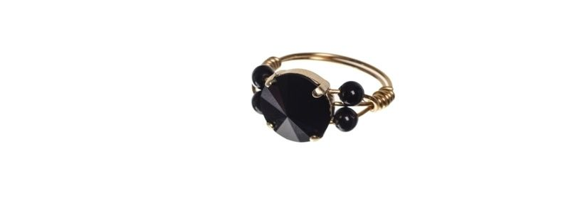 Goldige Ringe mit Swarovski Rivoli Jet
