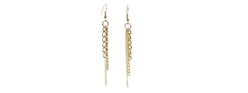 Goldene Ohrringe Kettchen