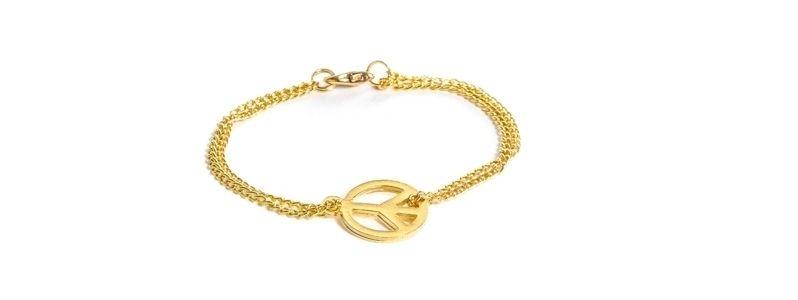Feine goldene Armbänder Peace