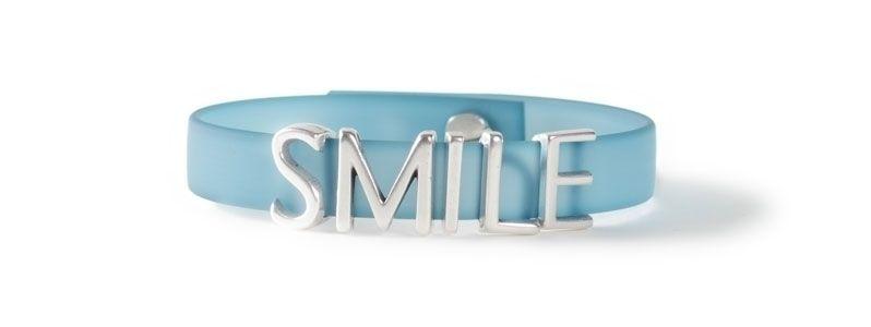 Armband mit Buchstabenperlen SMILE