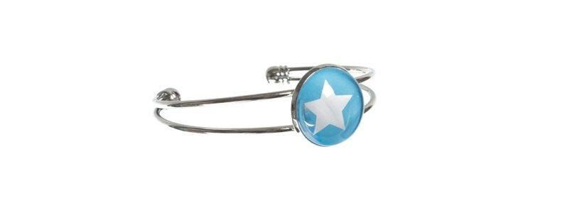 Armreif mit Glasabochon und Stern blau