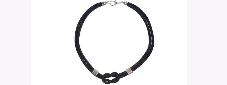Knotenkette Kreuzknoten Schwarz