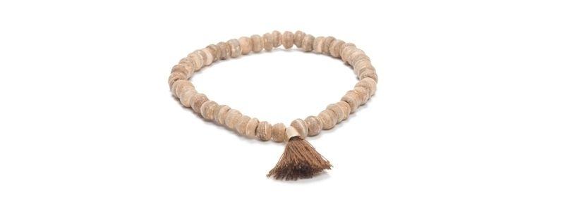 Armband mit Kokosnussperlen Hellbraun mit Troddel