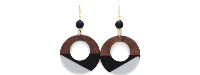 Ohrringe mit Holz-Resin-Anhängern Tricolor