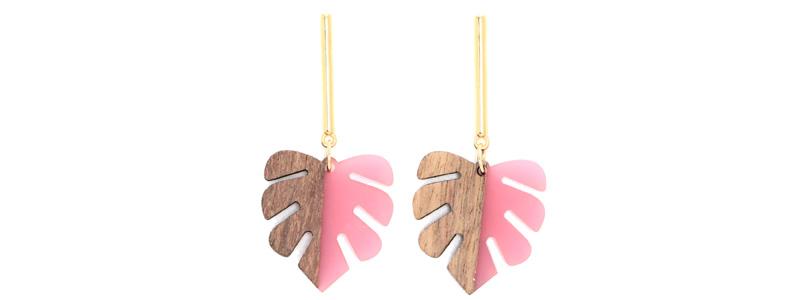 Ohrringe mit Holz-Resin-Anhängern Blatt