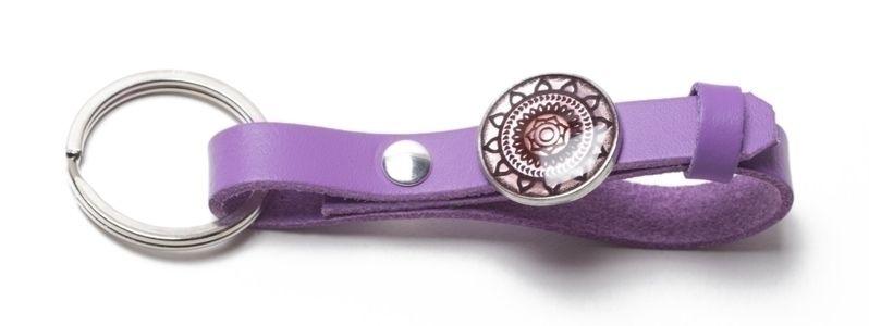 Schlüsselanhänger aus Lederband mit Slidern Lila