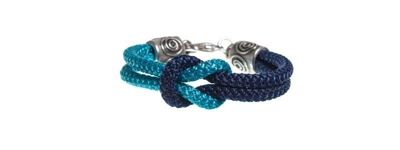Kreuzknotenarmband Blau