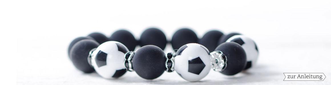 Kunststoffperlen Fußballperlen
