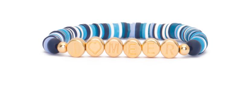 Armband mit vergoldeten Buchstabenperlen Meer