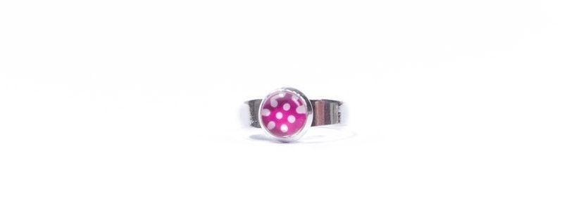 Ring kleine Glascbochons Pinke Punkte