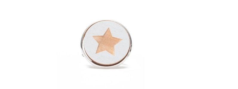 Ring mit Holzcabochon Stern