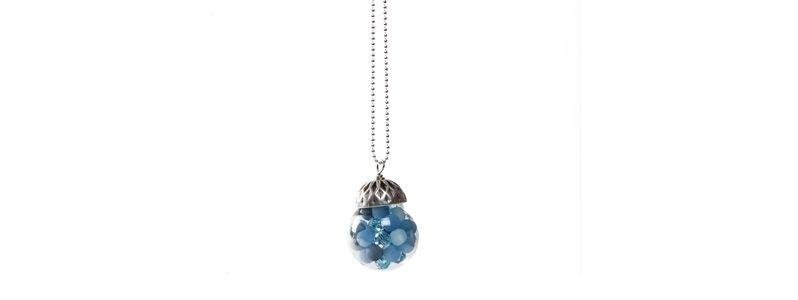 Kette mit Glaskugel und Perlen