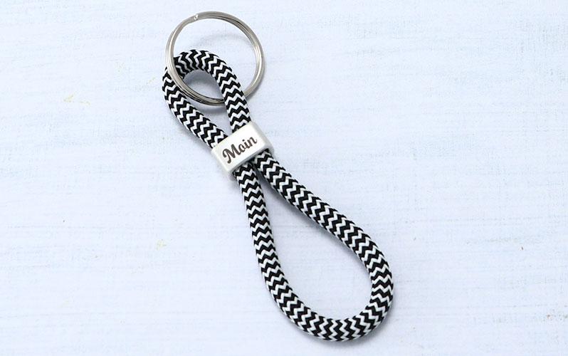 """Schlüsselanhänger mit Segeltau und Gravur """"Moin"""""""