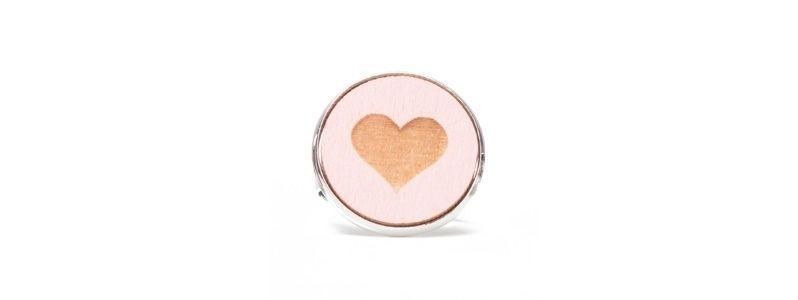 Ring mit Holzcabochon Herz