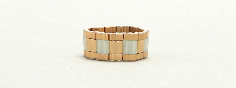 Gefädelter Ring mit Tila und Half-Tila-Perlen Light-Green-Gold
