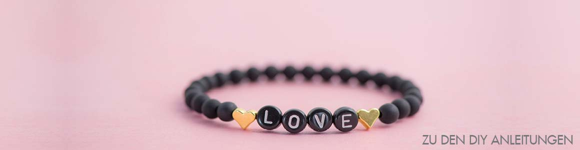 Buchstabenperlen Kunststoff und Herzen