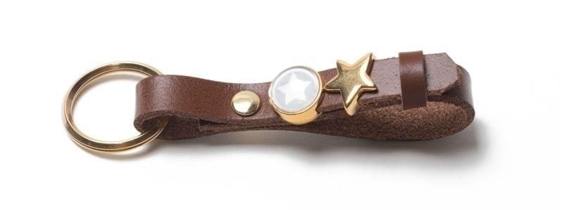 Schlüsselanhänger aus Lederband mit Slidern Braun