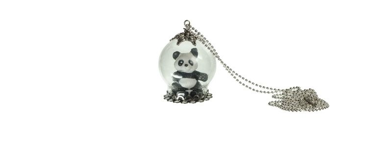 Kette mit Glaskugel und Panda