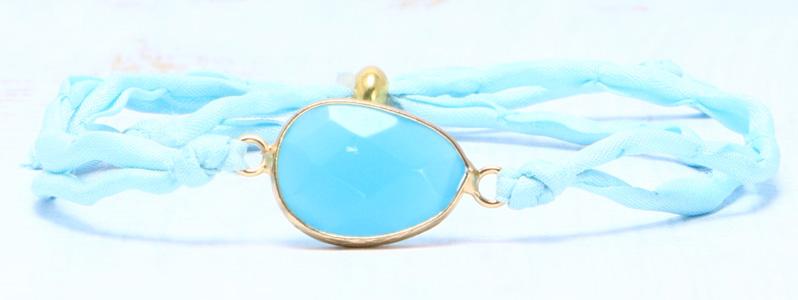 Armband mit Edelsteinarmbandverbinder und Seide hellblau