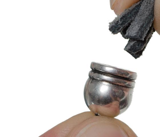 Troddel mit Perlkappe selber machen Schritt 4