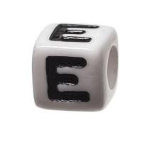 Kunststoffperle Buchstabe E, Würfel, 7 x 7 mm, weiß mit schwarzer Schrift
