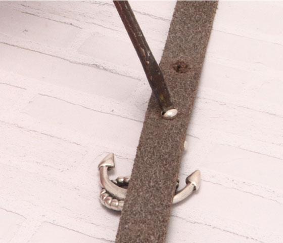 Schlüsselanhänger mit Schraubniete Schritt 3