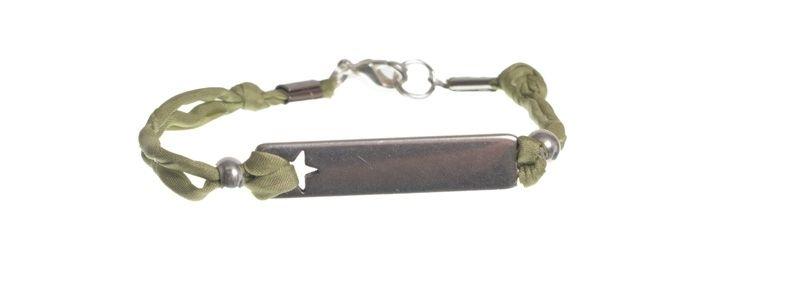 Seidenarmband mit Metallanhänger Stern