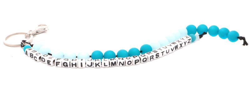 Rechenkette und Alphabet blau