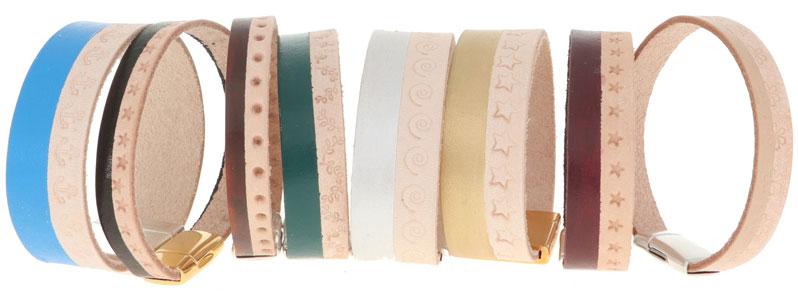 Leder-DIY Armbänder gestempelt und bemalt