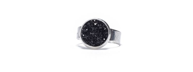 Ring mit Glitzercabochons Black Crystal