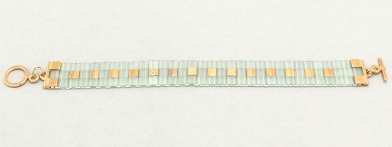 Gefädeltes Armband mit Tila-Perlen Light-Green-Gold