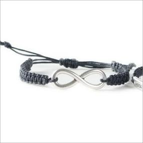 Makrameearmbänder mit Armbandverbindern