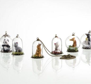 Ideen für Schmuck mit Glaskugeln und Tierfiguren