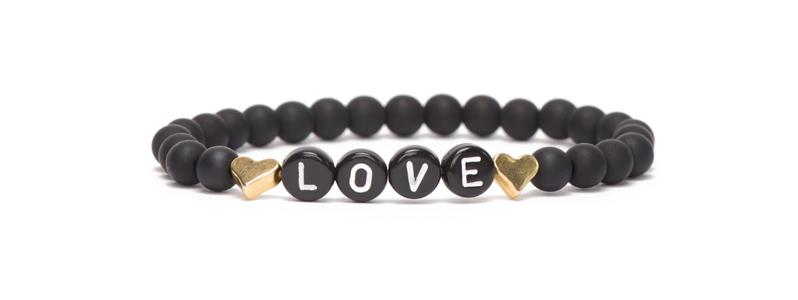 Buchstabenarmband schwarz Love